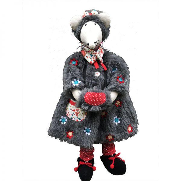 Hortense la Souris et sa tenue grand froid une fois cousue